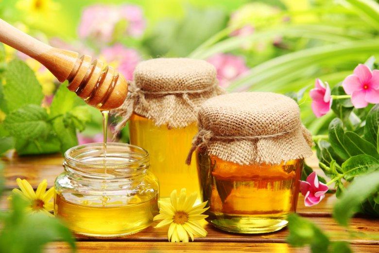 Мед с травами настойка